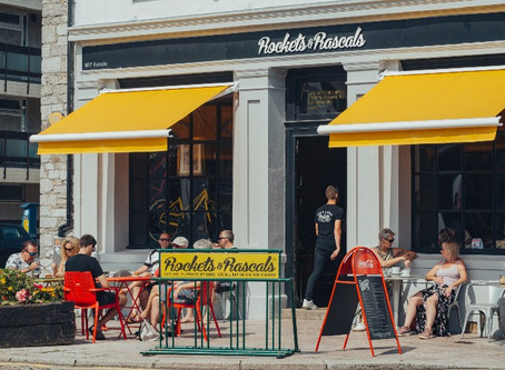 Help for cafés and pubs to put seats outside