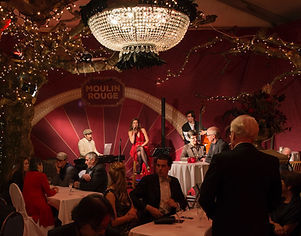 Apero_von_Gala_Dinner_mit_Livemusik_Jazzband_auf_Bühne_edited_edited.jpg