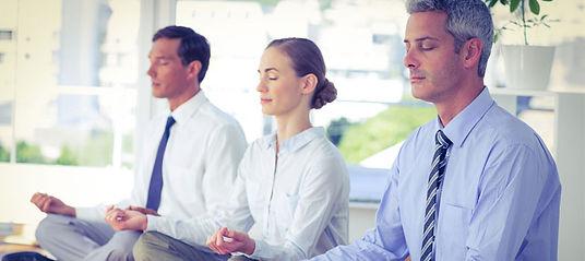 meditacao-mindfullness-empresa-noticias.