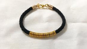 Bracelet noir et doré pour femme