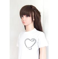 T-shirt broderie coeur+note music format carre devant pres sur profil.jpg