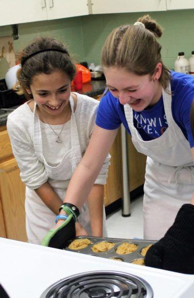 Farm-to-Go-Students-baking-a-healthy-rec