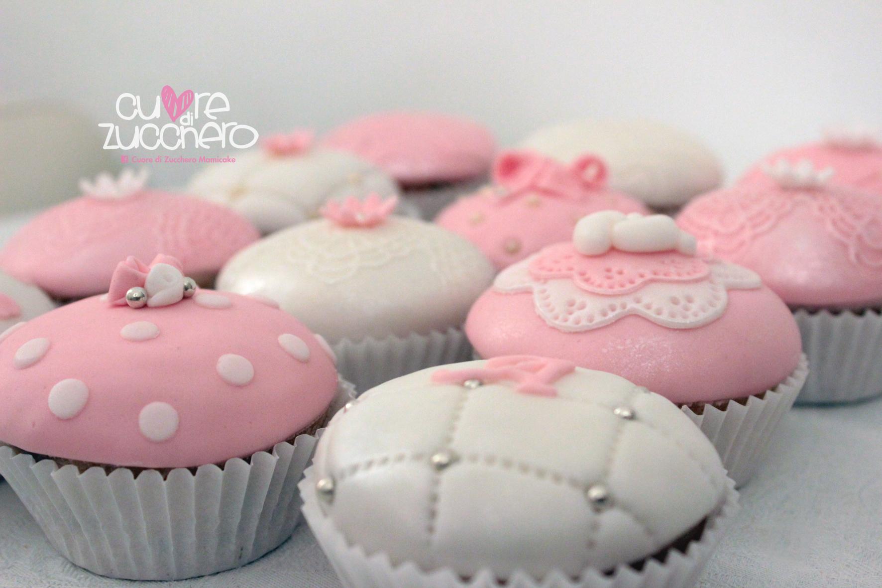 Cupcake decorati pasta di zucchero