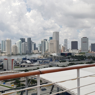 Carinival Victory - Miami views