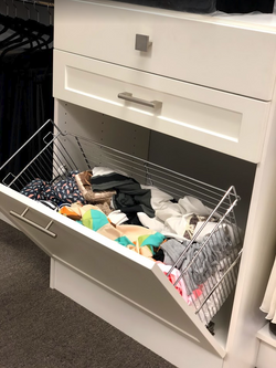 Removable laundry hamper