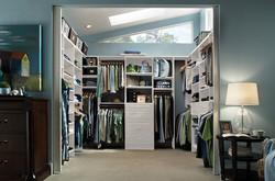 Master closet - White