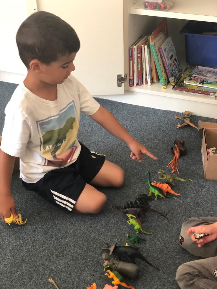 Freispiel mit den Dinosaurier
