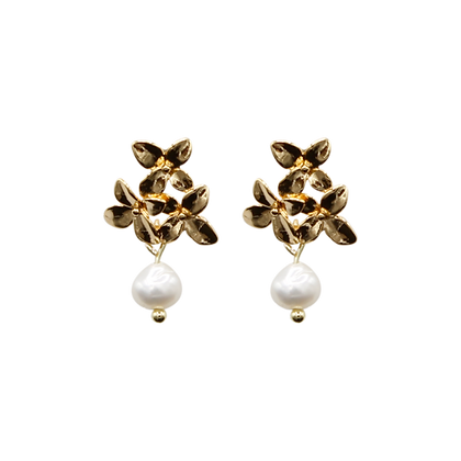 Boucles d'oreilles Flowers with a pearl