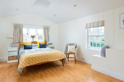 23. 190301-390 Summery bedroom