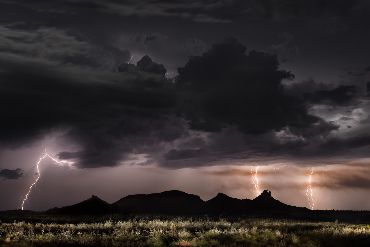 150204 Lightning over Turtlehead rock edit