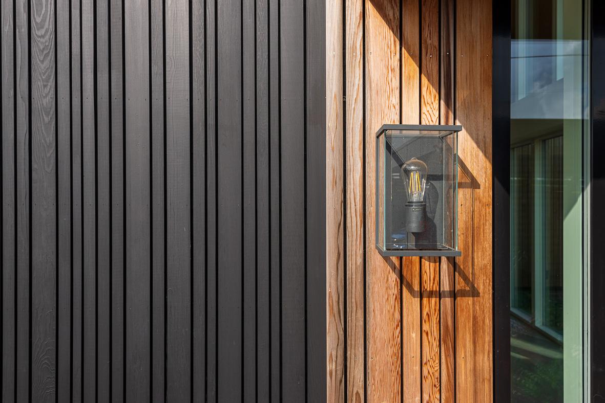 12. 200929-142 Front door Details