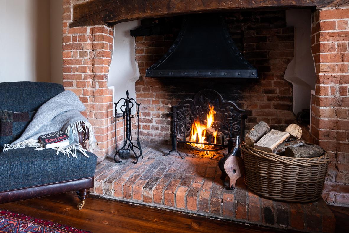 5. 190301-318 Fireside atmos