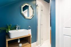 4. 190712-237 Shower room