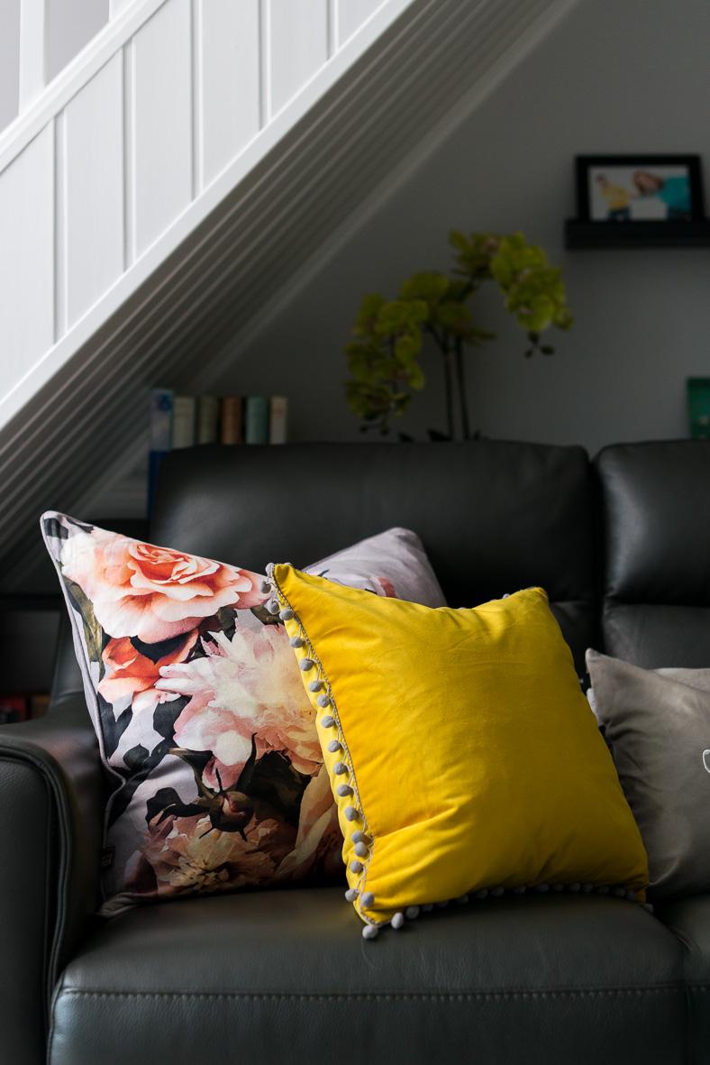 5. 181122-236 Cushions detail