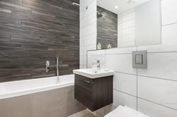 12. 180427-261 Bathroom