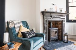7. 190708-654 Living room lifestyle