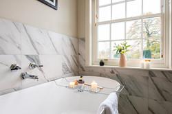 26. 191112-487 Bath lifestyle