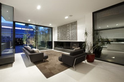 salones-modernos-con-ventanales-4k-pictu