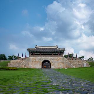 Traditonal Gate