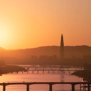 Lotte Tower Sunrise