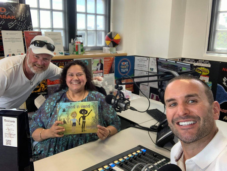 Luke Styles Pops In To Chat With Wendy & friends