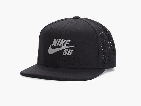 NIKE Cap 帽 / 棒球帽