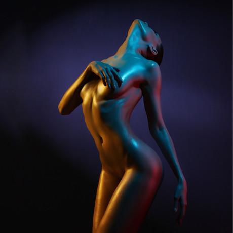 woman-2401033.jpg