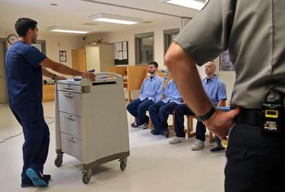 Jails lower resistance to addiction meds