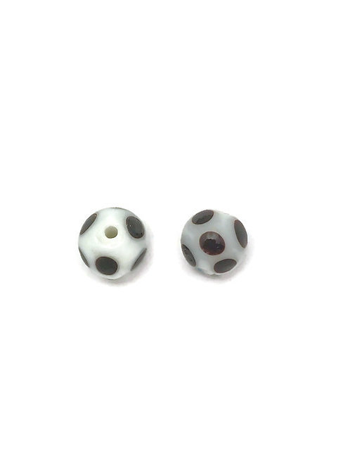 polka dot black and white beads