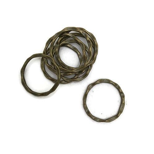 10 Tibetan style antique bronze link rings