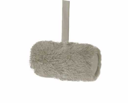 Winter Long Faux Fur Cushion - Ecume