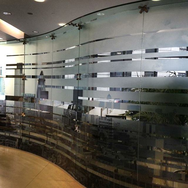 Digital printed opal frost manifestation applied to curved glass screens #manifestation #dda #digita
