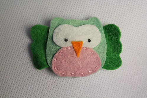 GREEN OWL WITH PINK BELLY SNAP CLIP