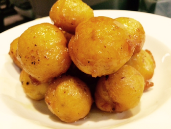 Bimuelos (with honey, orange and blossom water)