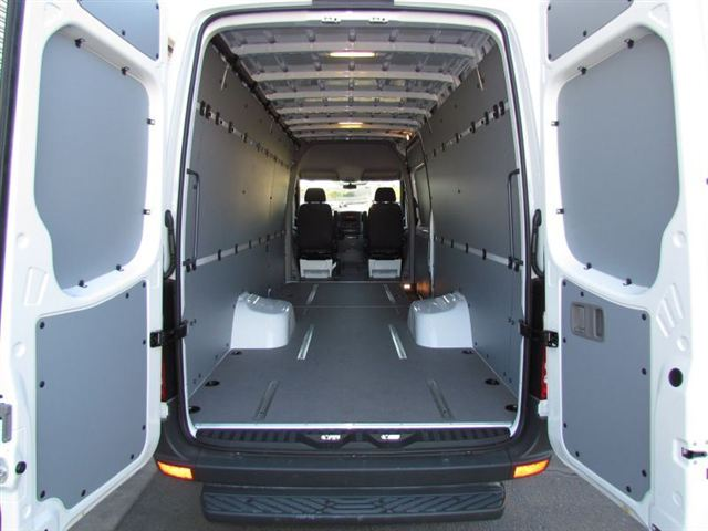 new-2012-mercedes_benz-sprinter_cargo_vans-3500170-6714-7990156-7-640