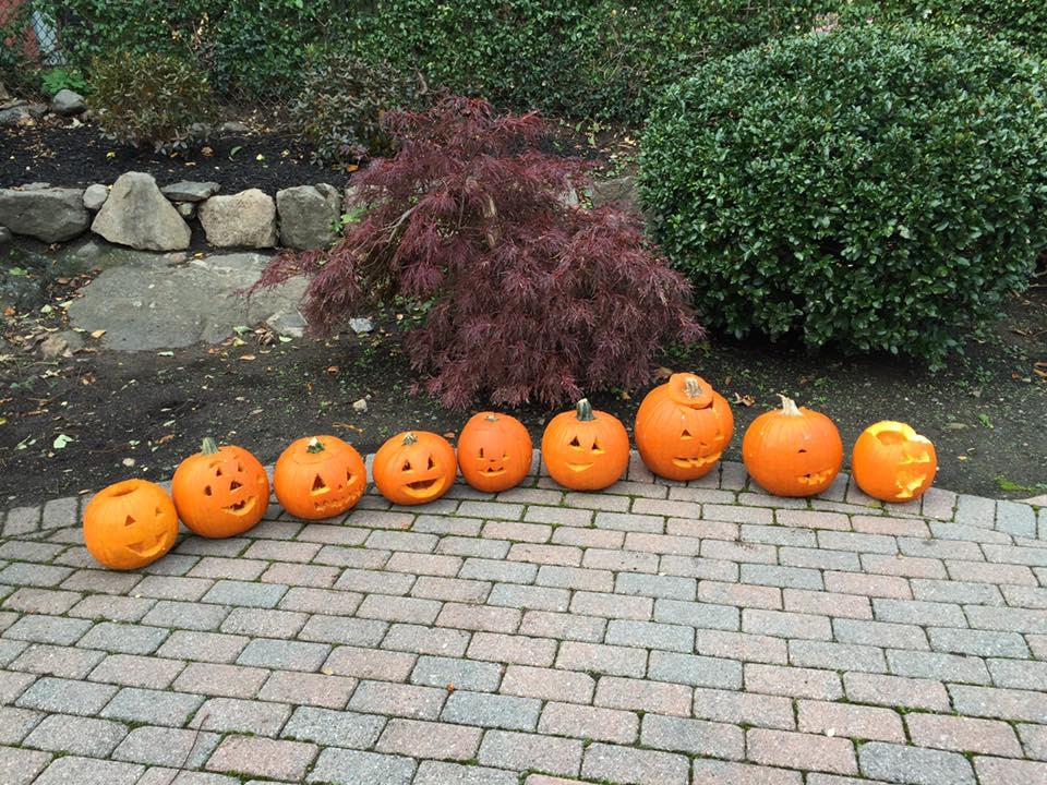 pumpkin carving 2016
