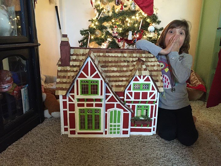 Anya dollhouse
