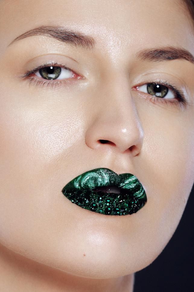 Photographer:Kris Halaburda    Makeup Artist: Karolina Wójcik Make Up    Model: Dominika Marszalik    Post Production + Retouch: Penelope Peralta
