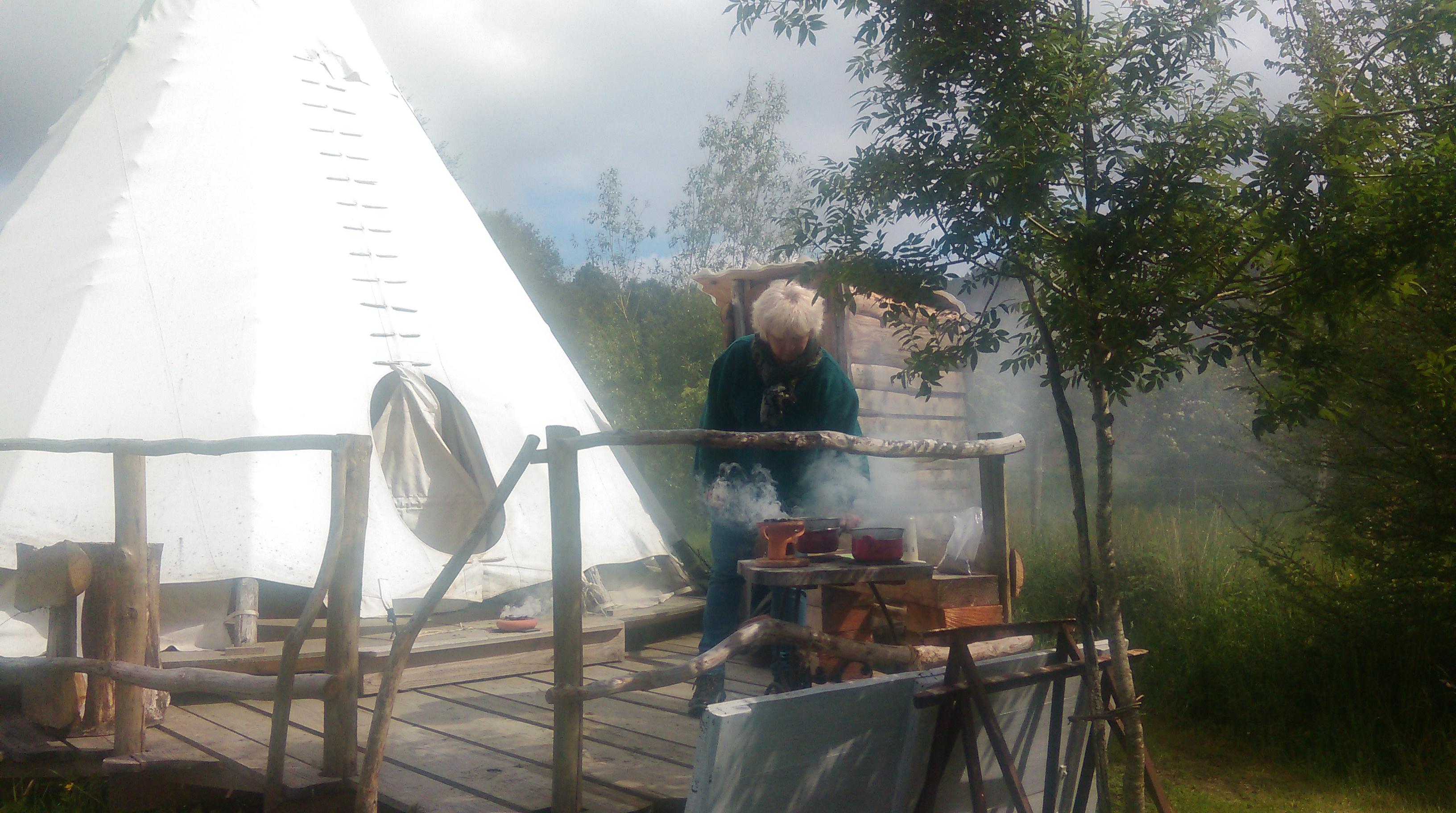 Préparation des encensoirs pour la fumigation