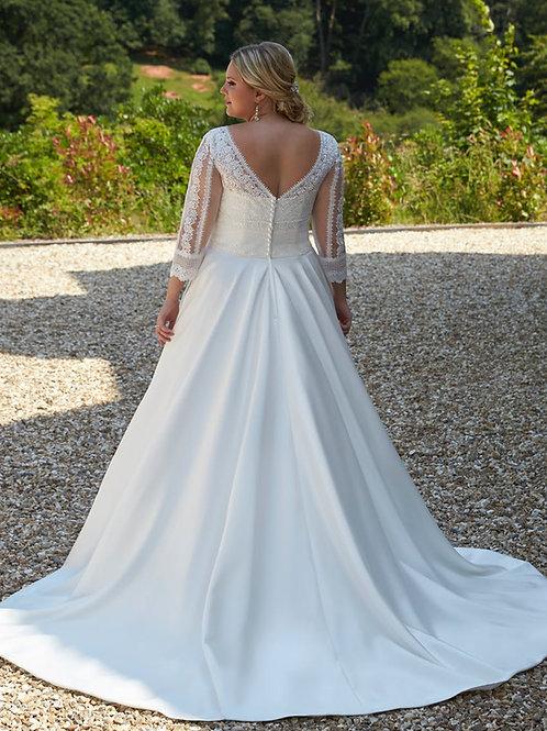 Abigayle - Silhouette Bridal Curvy