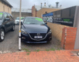 2014 Mazda 3 Maxx.jpg