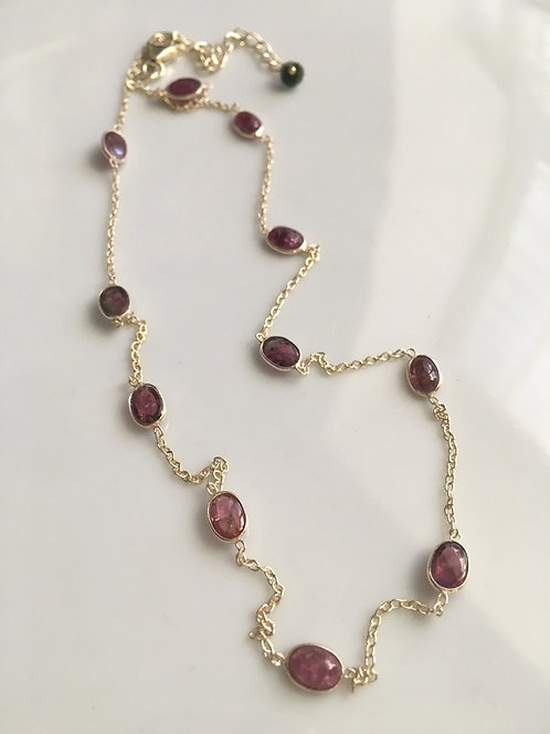 Cabichon Bezel-set Pink Tourmaline Necklace