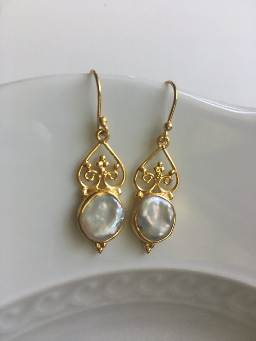 Freshwater Pearl Earrings in 14 kt Gold Vermeil