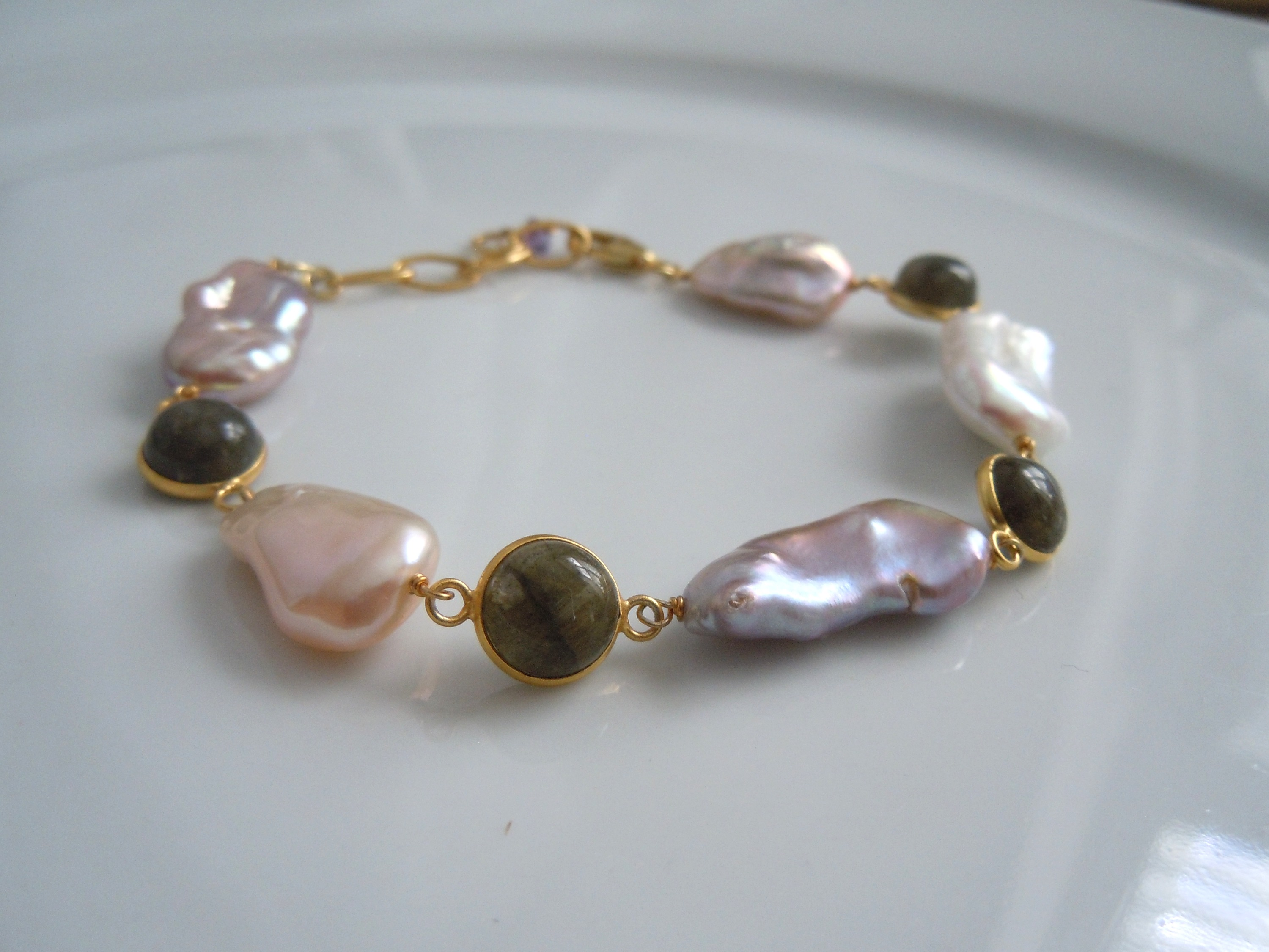 Freshwater Elongated Pearls with Labradorite Cabichons
