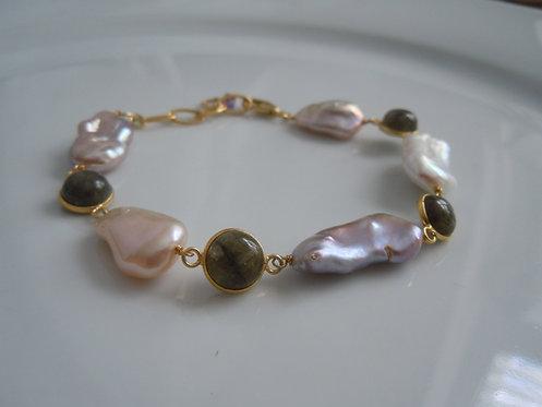 Freshwater Pearl with Labradorite Bracelet