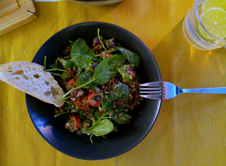 Linsen-Salat mit Dinkel-Vollkorn Brot