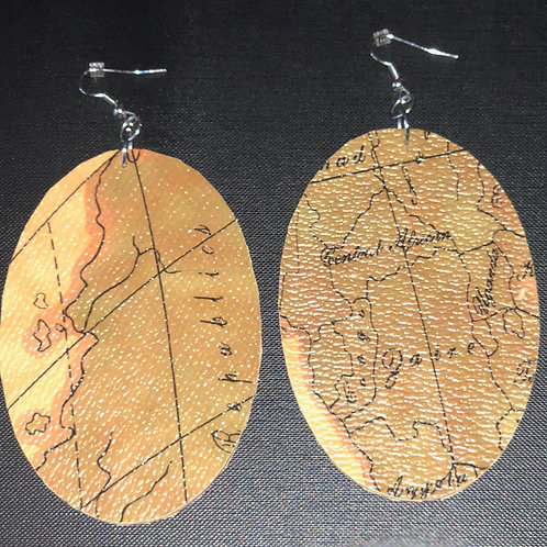 LG Wooden Map Design w/ Thin Leather Overlay (Oval)