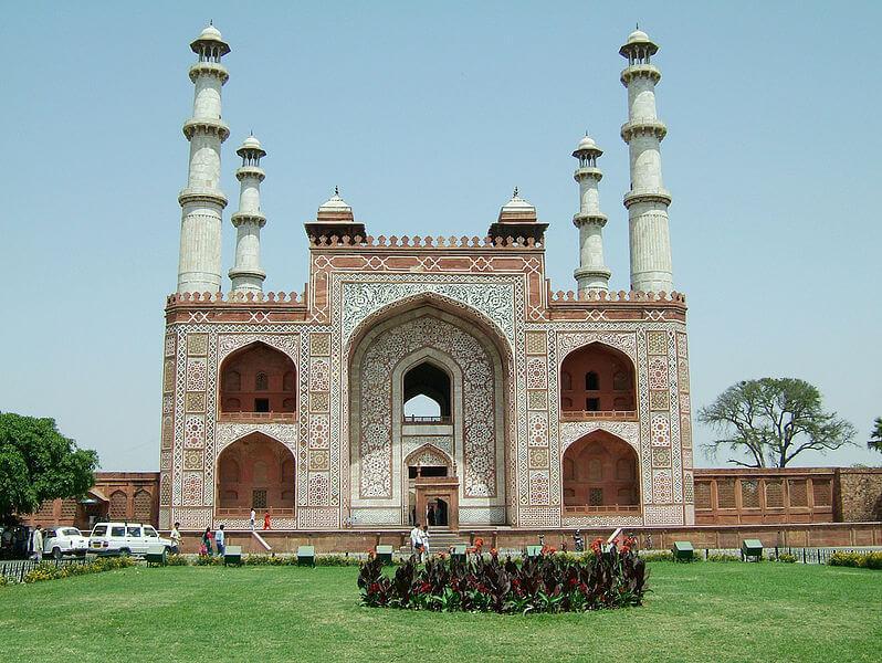 Усыпальница императора Акбара, Агра, Уттар-Прадеш, Индия.