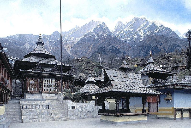 Храм Шивы на высоте более 4000 м., Сангла.