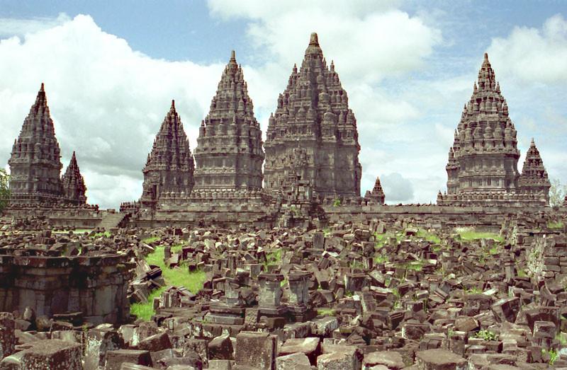 Храм Лороджонггранг, Прамбанан, Ява.